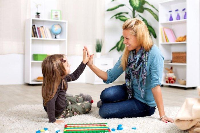 Mẹ hướng dẫn con tìm điểm tương đồng trong tình bạn