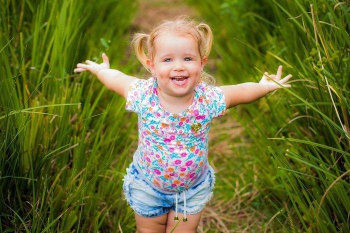Trẻ hạnh phúc