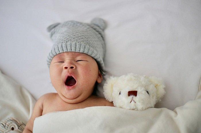Trẻ buồn ngủ