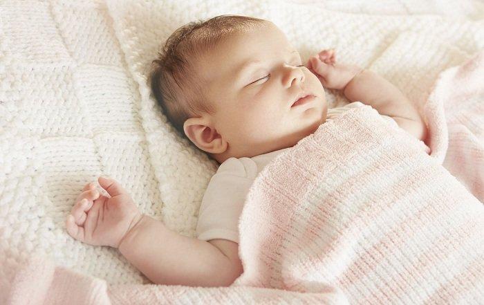 Giấc ngủ trẻ sơ sinh