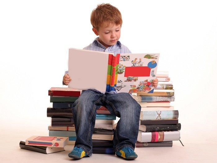 Trẻ ham đọc sách