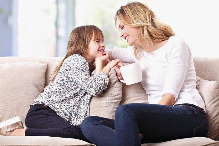 mẹ dặn dò, hướng dẫn con cách cư xử tốt bằng ngôn ngữ dễ hiểu