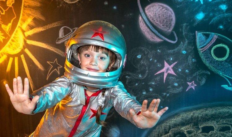 Đóng kịch giả tưởng cho thấy não bộ trẻ phát triển.