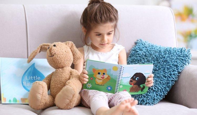 Trẻ đam mê khoa học và tìm tòi hơn nhờ đọc sách.