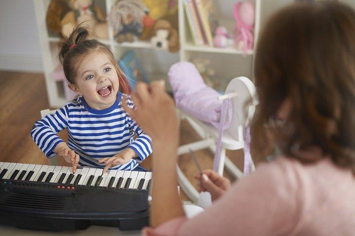 mẹ hát cho bé nghe, phát triển ngôn ngữ