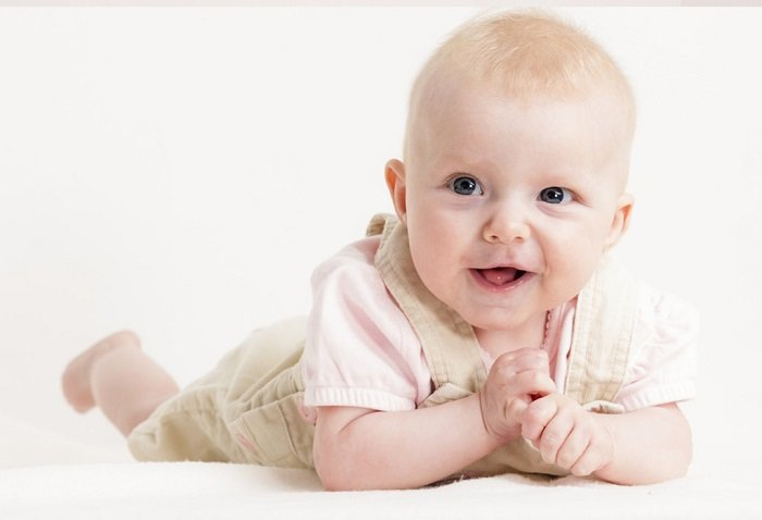 Nhận thức của bé 4 tháng tuổi không giống nhau.