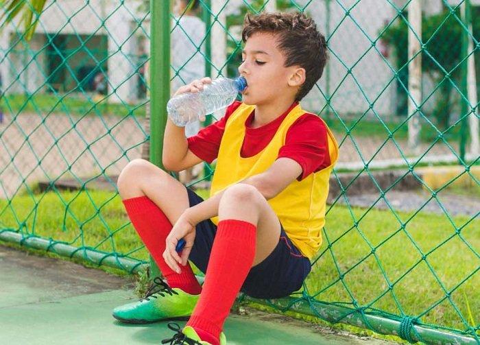 Đồ uống có hại cho trẻ