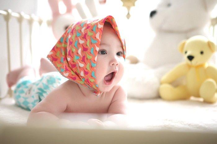 Tiếp xúc với các loại hoa văn khác nhau cũng giúp bé phát triển khả năng nhận thức.