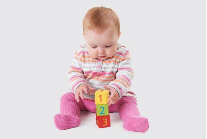 Nếu bố mẹ cảm thấy trẻ có những dấu hiệu trẻ tự kỷ thì nên cho con đi thăm khám để được tư vấn cụ thể.