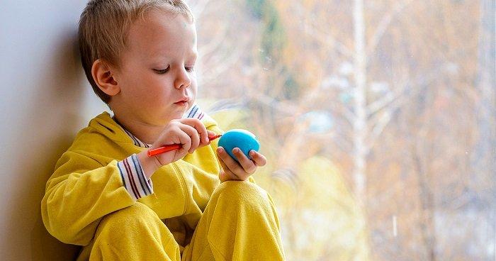 Trẻ nữ thường ít bị chẩn đoán bệnh tự kỷ nhiều hơn trẻ nam.