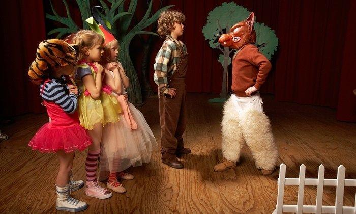 Những trẻ tự kỷ tham gia các chương trình đóng kịch nghệ thuật có kỹ năng xã hội tốt hơn những trẻ không tham gia.