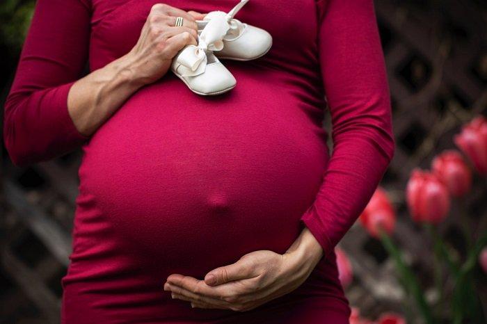 Vitamin D ảnh hưởng đến sự phát triển não bộ của thai nhi.