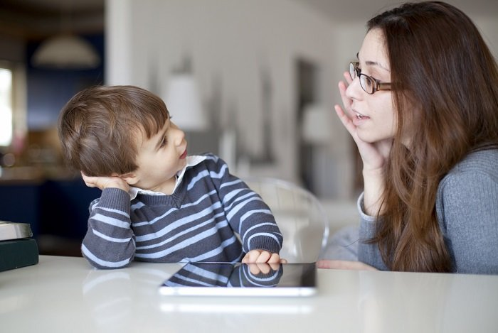 mẹ trò chuyện với bé, Phat Trien Ky Nang Ngon Ngu 1