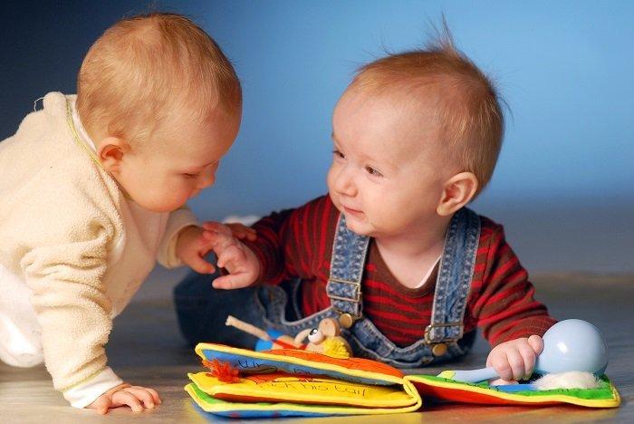 Những dấu ấn trong quá trình phát triển kỹ năng giao tiếp của bé 6-12 tháng tuổi 2