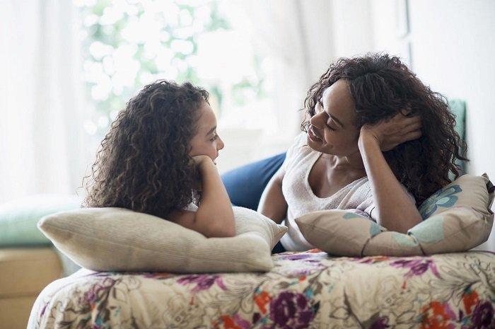 Lúc này, trẻ có thể nói những câu dài, phức tạp hơn và đúng ngữ pháp hơn.