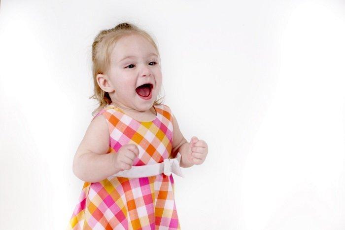 Kỹ năng giao tiếp của bé phát triển rất nhanh chóng trong 3 năm đầu đời