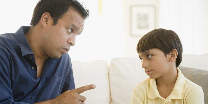trẻ nói dối nghiêm trọng, bố mẹ có thể phạt con