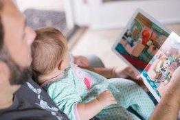 Hãy để sách là bạn của bé từ khi 6 tháng tuổi!