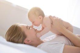 Bé sơ sinh được nuông chiều có sinh hư không?