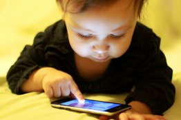 Cẩm nang sử dụng thiết bị điện tử  (với bé 0-4 tuổi)