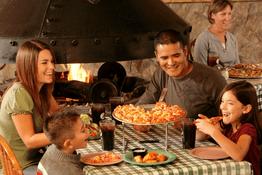 5 lợi ích khi cả nhà cùng đi ăn ngoài tiệm