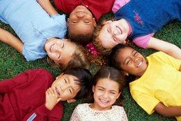 Những điều bố mẹ cần biết về việc giao lưu và kết bạn của trẻ