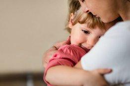 Các cột mốc phát triển ngôn ngữ và giao tiếp ở trẻ trong 5 năm đầu đời
