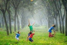 8 hoạt động giúp phát triển kỹ năng vận động thô của trẻ