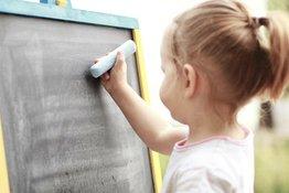 Những gợi ý giúp trẻ phát triển kỹ năng viết tùy theo độ tuổi