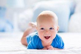 4 điều bố mẹ cần lưu ý để tận dụng lợi ích của việc cho trẻ nằm sấp