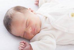 Những điều bố mẹ cần biết về giấc ngủ của trẻ sơ sinh
