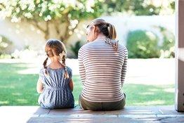 Trẻ mẫu giáo bị bắt nạt (phần 1): Bố mẹ nên chia sẻ với con thế nào?