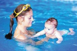 Những điều bố mẹ cần lưu ý khi chuẩn bị cho trẻ tập bơi