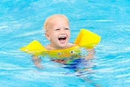 Những lưu ý để giảm nguy cơ trẻ bị nhiễm bệnh khi tập bơi