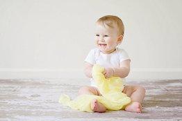 Kết hợp vui chơi vào việc nhà để giúp trẻ 1-3 tuổi tăng cường nhận thức