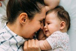 6 hoạt động giúp trẻ 9-12 tháng tuổi phát triển ngôn ngữ