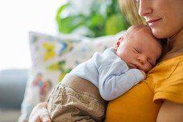 Trẻ sơ sinh chậm tăng cân là do đâu?
