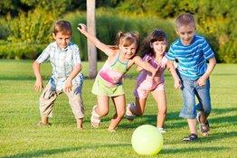 Trẻ nên vận động bao lâu mỗi ngày để có được lợi ích sức khỏe?