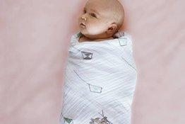 Quấn chăn cho trẻ sơ sinh khi ngủ có thể làm tăng nguy cơ đột tử?