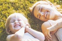 5 việc bố mẹ nên làm để giúp trẻ vượt qua cơn giận dữ