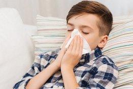 Trẻ mặc ấm có thể giảm nguy cơ bị cảm lạnh?