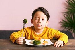 5 bí quyết đơn giản mà hiệu quả giúp trẻ làm quen với đồ ăn mới