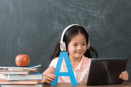 Bố mẹ cần biết: Nên cho bé học ngoại ngữ từ mấy tuổi?