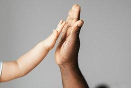 4 cách đơn giản giúp trẻ hiểu ngôn ngữ cơ thể để giao tiếp tốt hơn