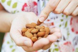 Các loại hạt tốt cho bé ăn dặm - những giá trị dinh dưỡng không thể bỏ qua