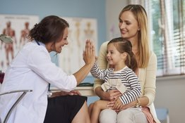 Dạy trẻ lễ phép: 5 điều cần thiết nhất mà bố mẹ chắc chắn nên dạy trẻ