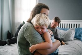 Trẻ ăn vạ: Tìm hiểu nguyên nhân và giải pháp xử lý