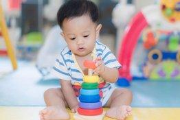 Sự phát triển của trẻ 9 tháng tuổi và những điều bố mẹ nên biết