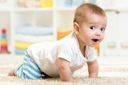 Sự phát triển của trẻ 6 tháng tuổi và những dấu mốc bố mẹ cần lưu ý