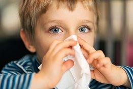 Viêm mũi dị ứng ở trẻ em: Chăm sóc và phòng ngừa như thế nào?